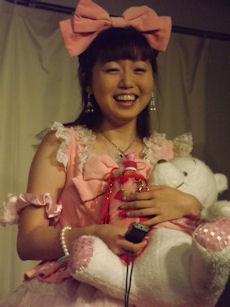 現役最年長アイドル・鈴木まりえ(35歳)のロリータファッションがスゴい…