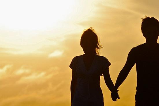 男性に聞いた「恋心が一気に冷めた彼女の行動」ベスト5