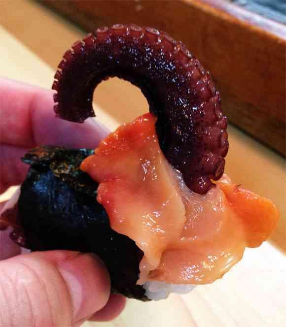 【閲覧注意】この寿司が卑猥すぎる…