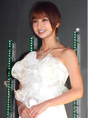 成人で仕送り生活は気が引けた…篠田麻里子、AKBでの7年半を振り返る - シネマトゥデイ