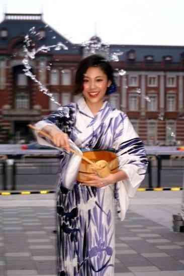水沢エレナ、オスカーに移籍し歌手志願「自信あります」 : 映画ニュース - 映画.com