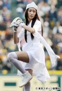 杏が新ドラ「幽かな彼女」の幽霊姿で始球式に登場   東スポWeb – 東京スポーツ新聞社