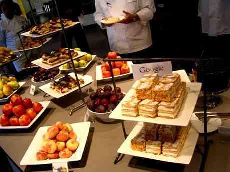 Googleの社員食堂がめっちゃ豪華!しかも三食無料
