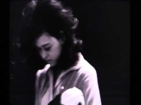 「他人の顔」 / 武満徹 - YouTube