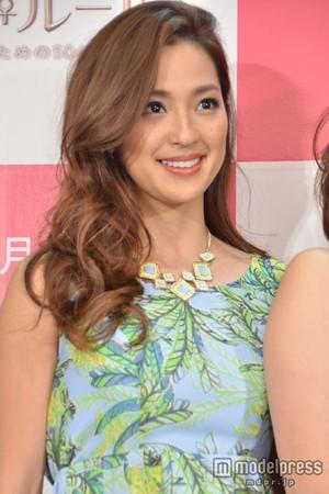 AKB48峯岸みなみに「ブス」、爆弾発言連発で人気モデルが話題に - ネタりか