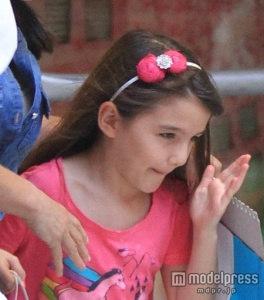 トム・クルーズの娘スリちゃん、大人顔負けの水着スタイル - モデルプレス