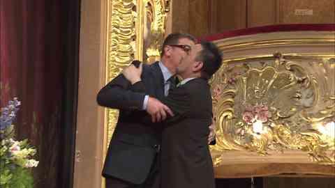 「新婚さんいらっしゃい」に出演した同性婚ゲイカップルが超ラブラブ!