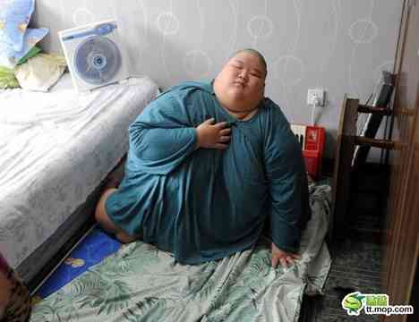 【閲覧注意】太りすぎの19歳。動かしてもらう為に毎回119番に救助要請