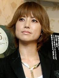 歌手のhitomi、出会いが無さ過ぎて「合コン」への参加を考えるww