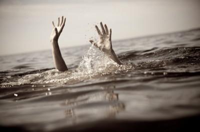「この知識は知っておきたい…」溺れた女の子を瞬時に助け出すライフガードに対する海外の反応