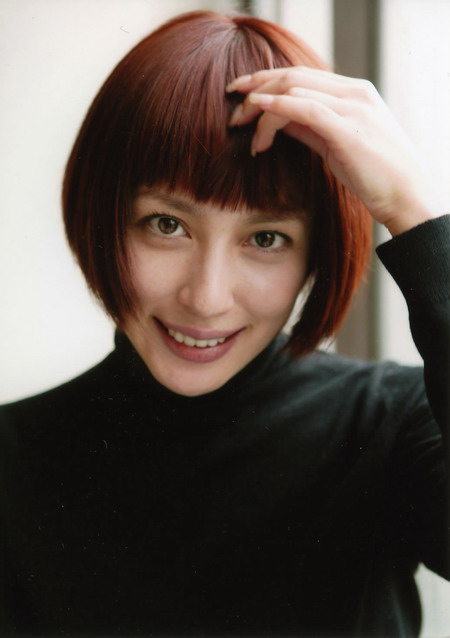 髪型がきれいな奥菜恵