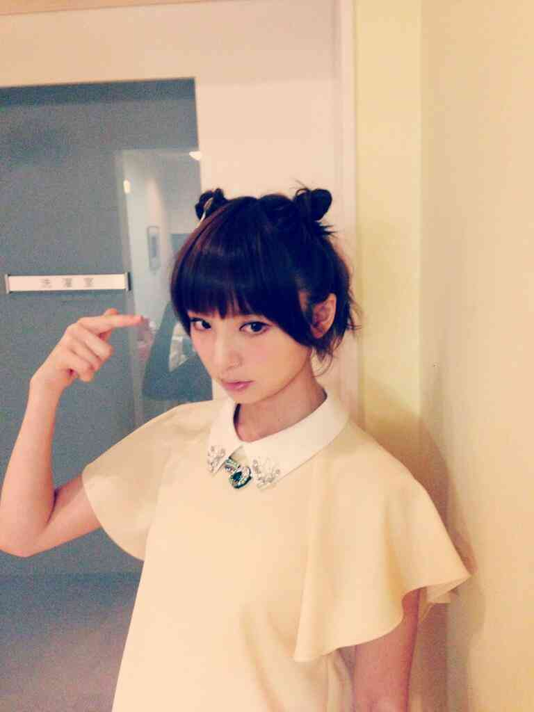 Mステに出演した篠田麻里子(27歳)の髪型が痛すぎると話題に