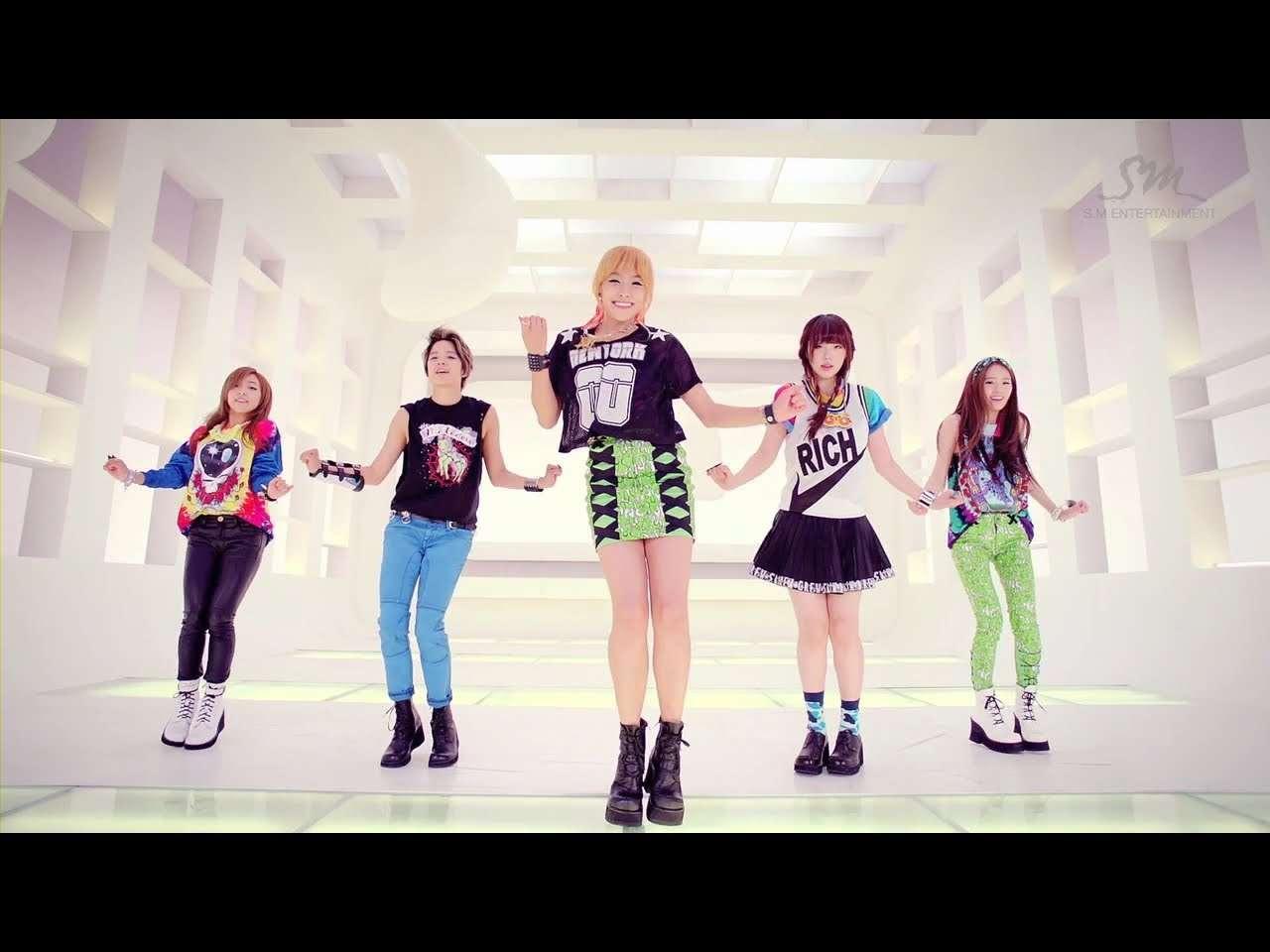 에프엑스_Electric Shock_Music Video - YouTube