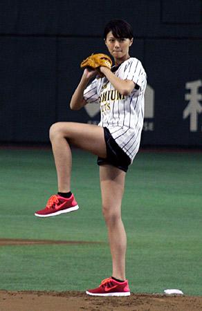 榮倉奈々の脚が美しい…