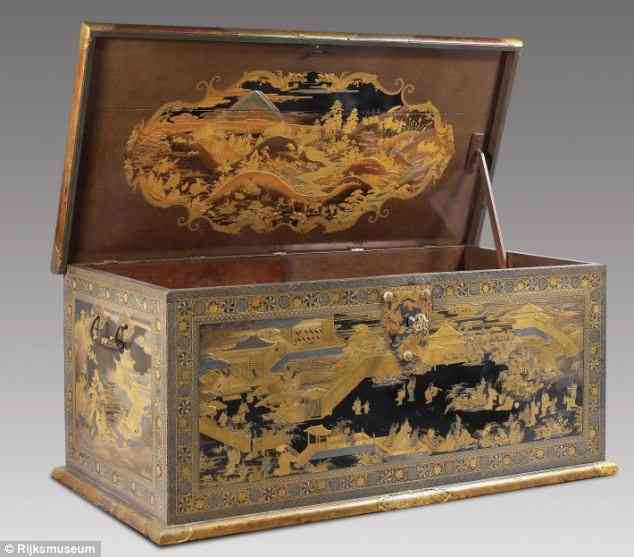 フランス人が1万5千円で購入しテレビ台として使っていたチェスト、日本の古美術品だった!お値段9億6千万円!