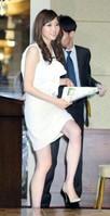 山岸舞彩、ミニスカで自慢の美脚を「どうぞ見て下さい」 (デイリースポーツ) - Yahoo!ニュース