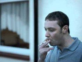 一瞬でタバコを吸う気がうせるCM - 動画 - Yahoo!映像トピックス