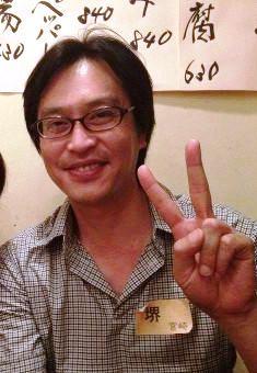 菅野美穂が義父母を連れ、堺雅人の弟のライブに出かける姿が色っぽい!
