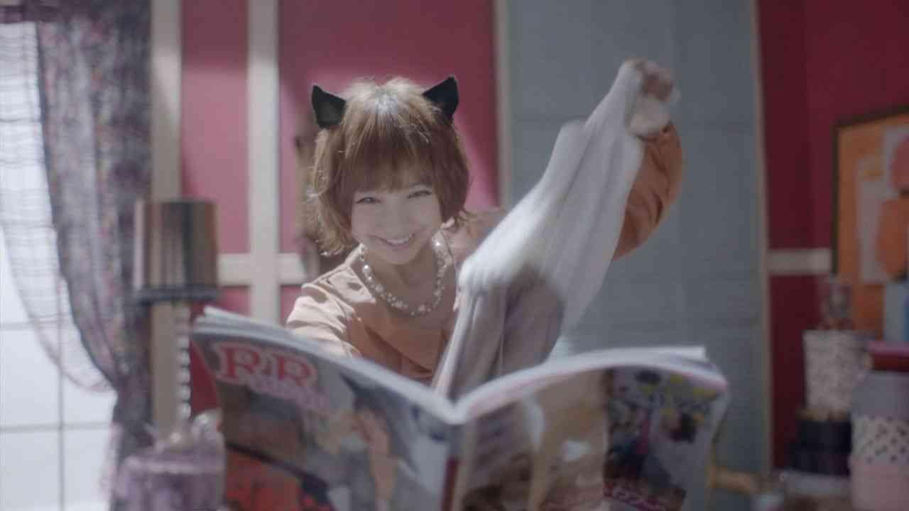 """元AKB48篠田麻里子、猫耳&しっぽで""""おしゃれ猫""""に変身"""