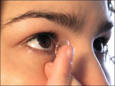レーシック手術の後遺症深刻 夜間視力低下、自律神経に変調