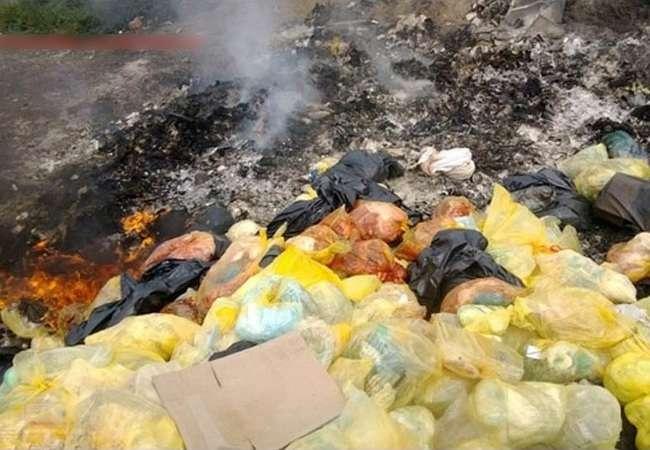 【閲覧注意】ロシアの病院のゴミ捨て場にとんでもないものが廃棄されていると話題に