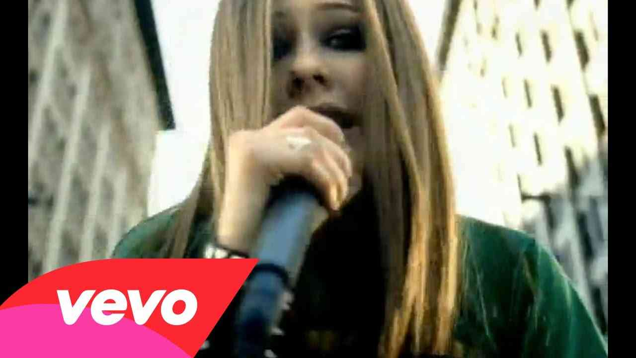 Avril Lavigne - Sk8er Boi - YouTube