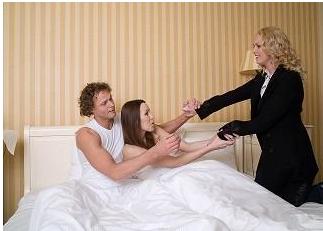 不倫を繰り返す女性の心理…既婚者ばかり好きになるのはなぜ?