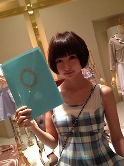 AKB48・篠田麻里子プロデュースのブランド「ricori」にパクリ疑惑wwwwww