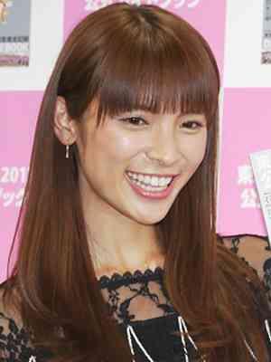 AKB48秋元才加、ファッションショー『a-nation&GirlsAward lsland collection』で観客を圧倒