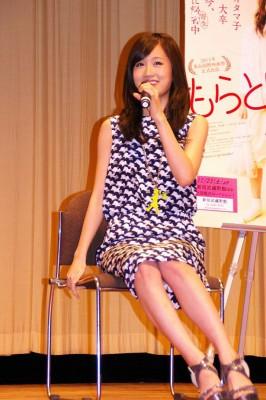 前田敦子、尾上松也との交際質問に笑顔も無言 足早に会場去る