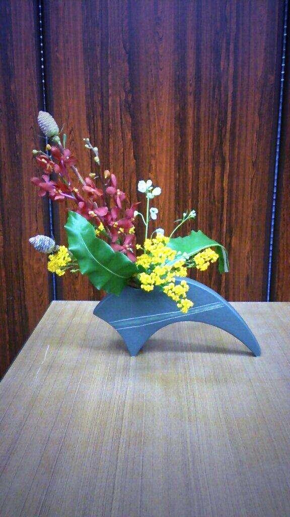 女子高生が華道で生けた花がふなっしーにしか見えないと話題にww