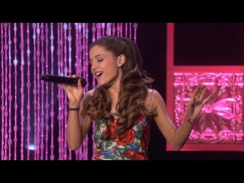 Ariana Grande Performs 'The Way' - YouTube
