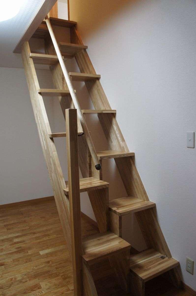 「こんな階段、生まれてはじめて見た…」イギリスのとある家が話題に