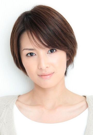 妊娠中の吉瀬美智子が仕事納めで美しすぎる妊婦姿を披露