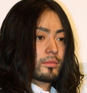 俳優・山田孝之、Twitterで連日の「猪瀬都知事」報道に疑問を呈す - ライブドアニュース