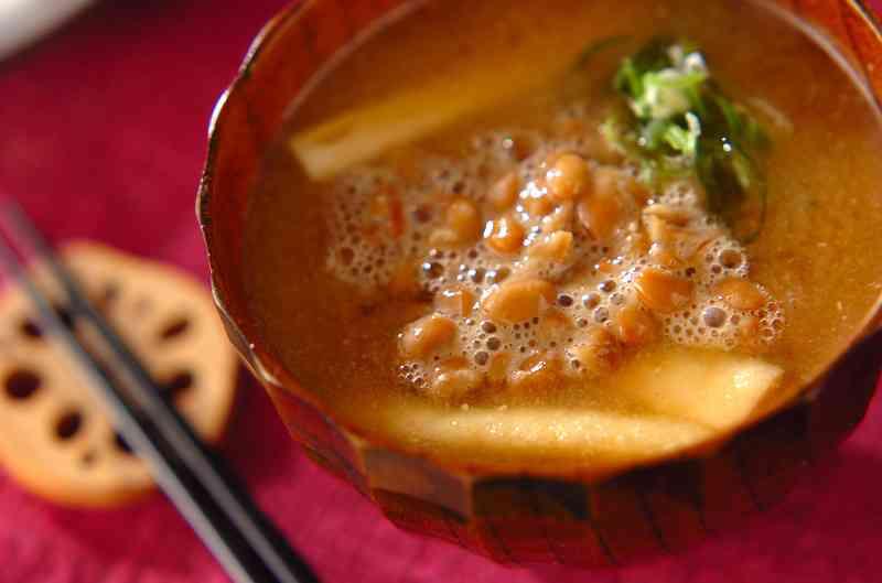 納豆みそ汁のレシピ・作り方 - 簡単プロの料理レシピ | E・レシピ