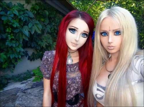この違和感はいったい…人形にしか見えない世界の美女たちの写真いろいろ
