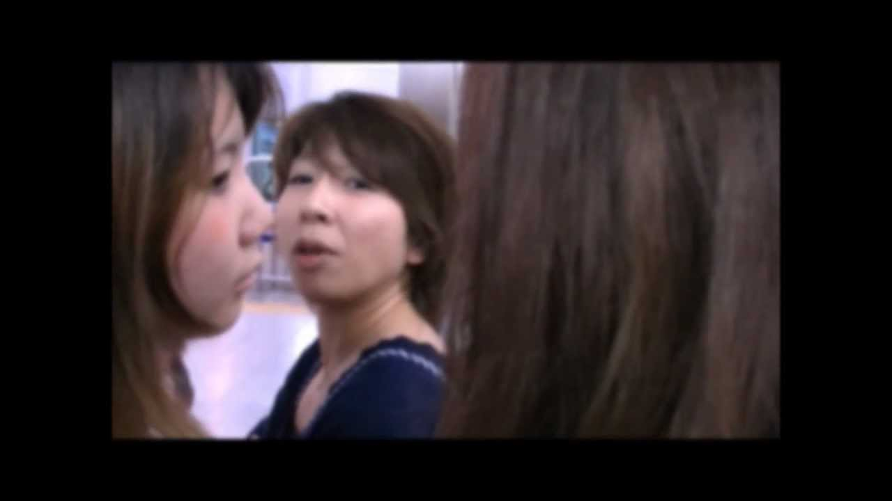 京王線の女性専用車両で男性客に暴言を吐く女と無礼な車掌 - YouTube