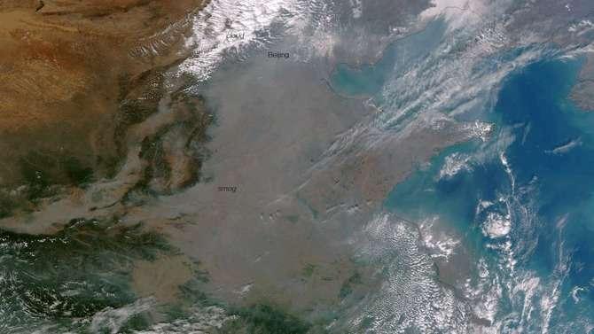 【衝撃】宇宙から見た中国が大気汚染の影響で地形が判別できない件