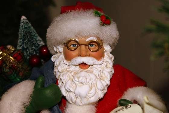 【これ本当?】女性のクリスマス贈り物への意識がひどい!3万6千円以下のプレゼントの男はカス