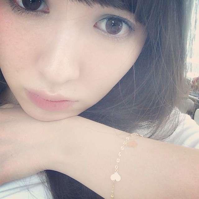 AKB48・小嶋陽菜のカラコンがずれてて怖い…