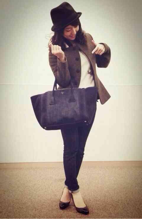 AKB48小嶋陽菜が大島優子にプレゼントしたバッグのお値段www