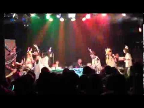 マライアキャリー /「ALL I WANT FOR CHRISTMAS IS YOU/恋人たちのクリスマス」 (LGM LIVE on 2013.12.03) - YouTube