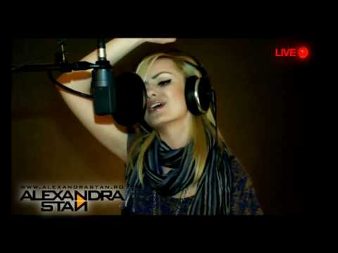 "Alexandra Stan - ""Rihanna - Take A Bow"" Live Uncut Version - YouTube"