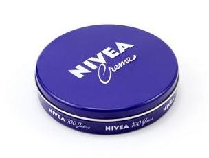 ニベア青缶の活用法