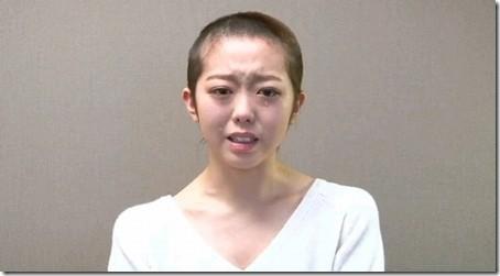 "AKB48峯岸みなみ、丸刈り謝罪から大反響の""剛力彩芽ダンス""…激震の1年を振り返る"