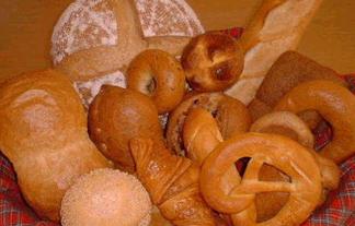 「お腹が減ってパン食べた」車掌の報道にネットで「許してやれ」の声