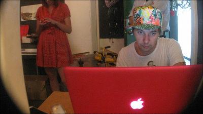 MacBookのウェブカメラは盗撮されている可能性があると研究で判明 - ライブドアニュース