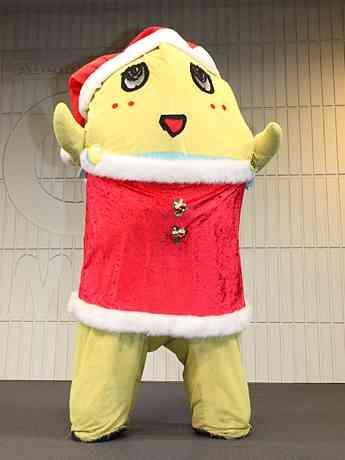 大阪あべのキューズモールに「サンタふなっしー」登場