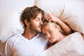 """死んだ男の腕枕で2晩過ごした女の""""凄み""""…法廷で争われた「赤裸々すぎる男女の愛憎劇」"""